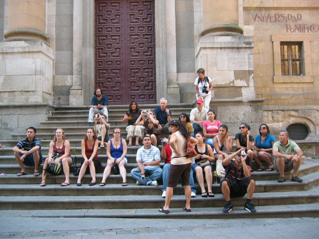Group picture on the steps of Universidad Pontificia
